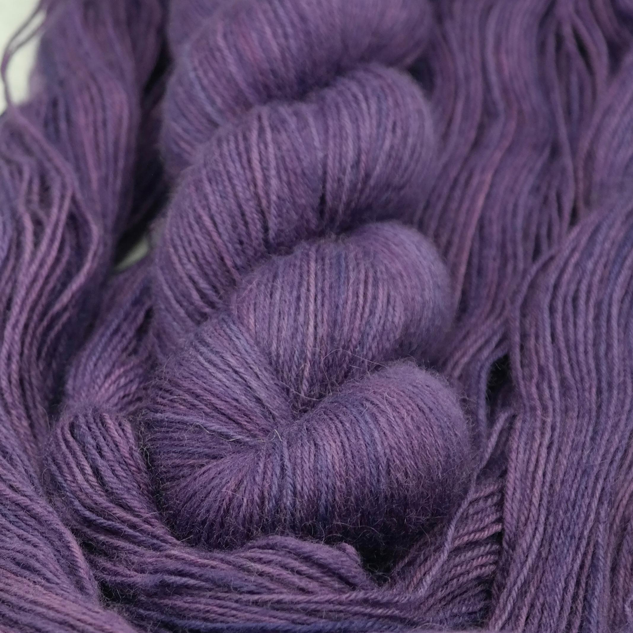 Violet Hill - BFL Fingering - Teinturlurée - Laine teinte à la main