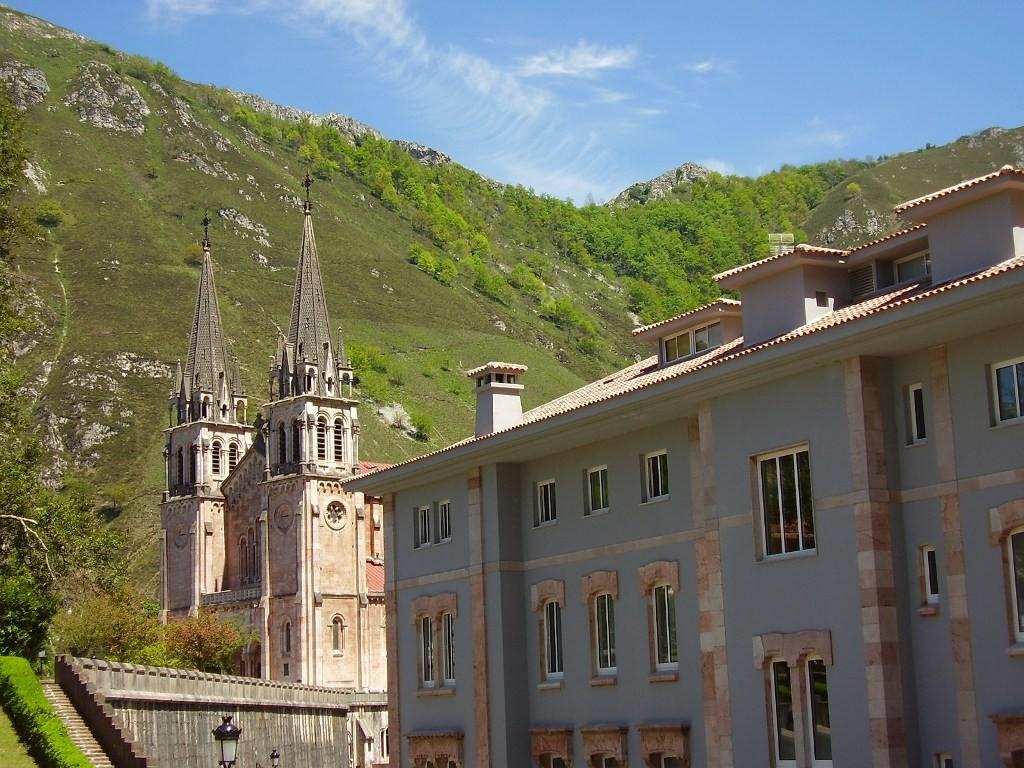 Arcea Gran Hotel Pelayo En Cangas De Onis Asturias