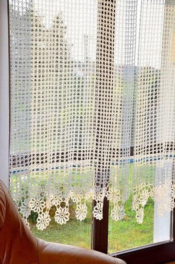 Para ambientes acogedores las cortinas tejidas a gancho