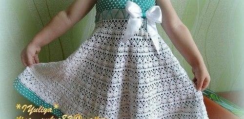 Vestido crochet de niña con perlas