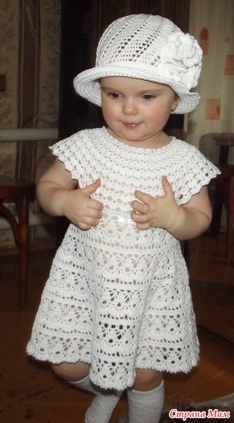 Vestido tejido en ganchillo para niñas