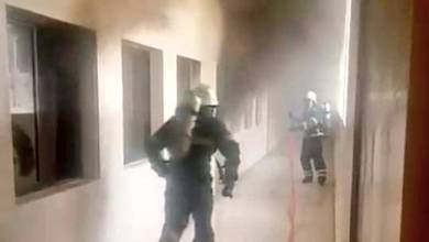 Photo of إخماد حريق شب في أحد المدارس بصلالة
