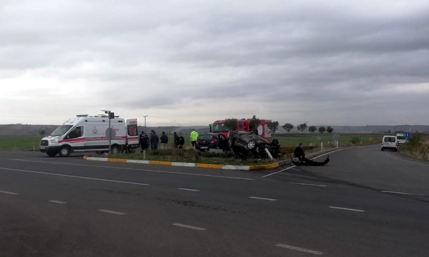 Kavşakta feci kaza: 2 yaralı