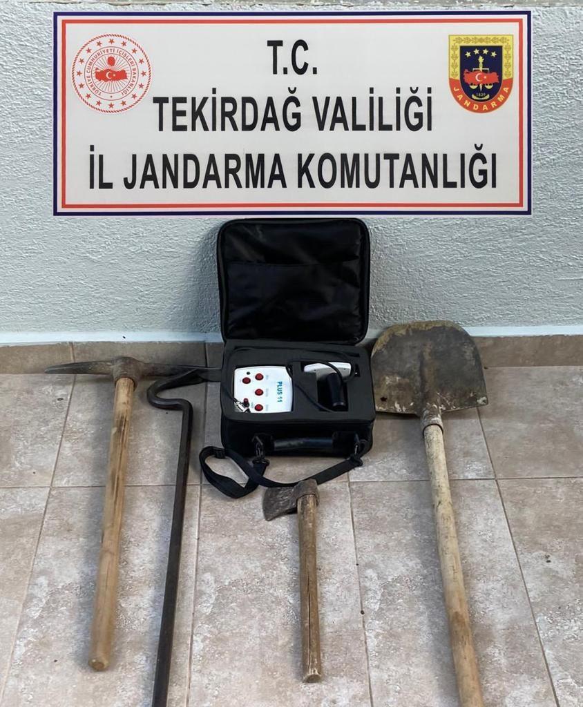 Tekirdağ'da kaçak kazı yapan 5 kişi suçüstü yakalandı
