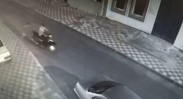 Motosiklet hırsızlıkları kamerada: 14 kişi yakalandı