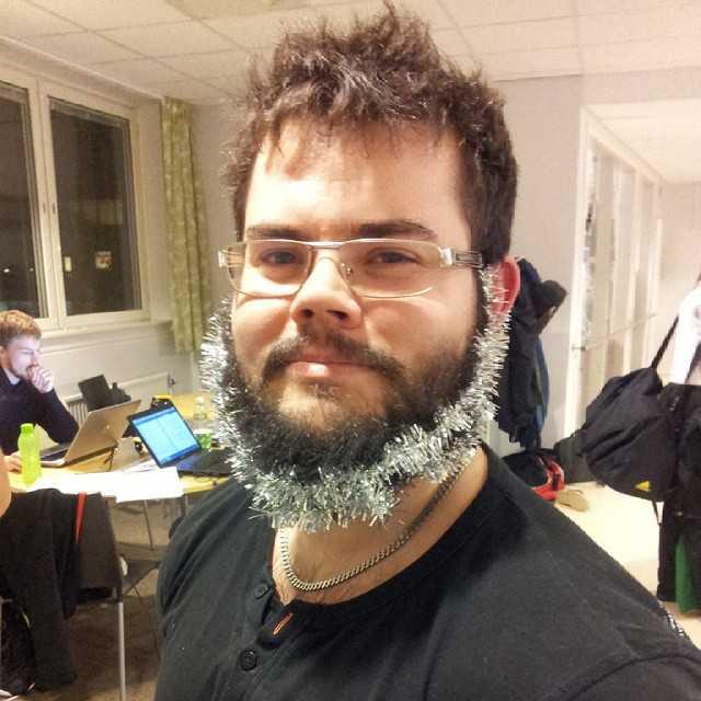 Julpyntad tomte, även känd som Tobias Gargnäs Nilsson :)