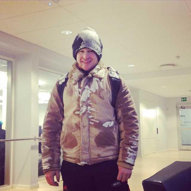 Slask i Umeå + cykla till universitetet = snögubbe!