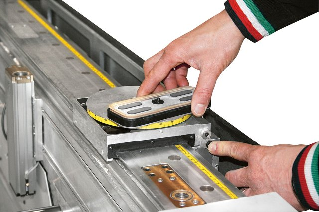 Присоска на рабочем столе MATIC обрабатывающего центра с ЧПУ ACCORD 42 FX, производство SCM Италия
