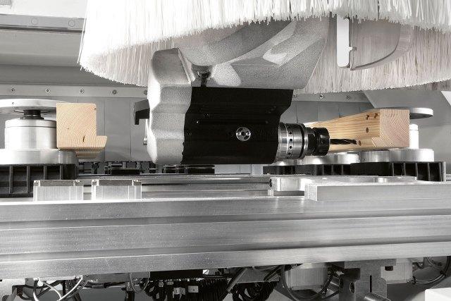 Обрабатывающая голова станка с ЧПУ ACCORD 42 FX, производство SCM Италия