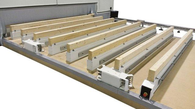 Направляющие малой высоты обрабатывающего центра с ЧПУ для домостроения AREA, производство SCM Италия