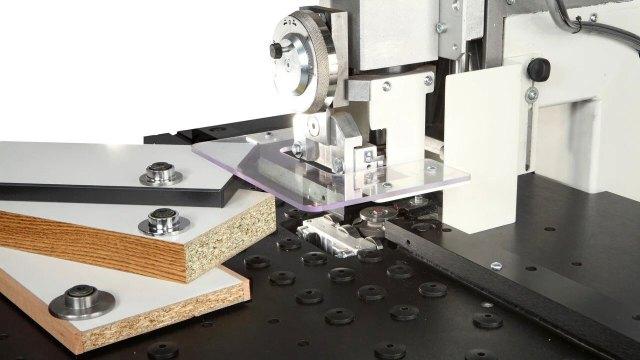 Обработка панелей на станке Minimax E 10, производство SCM Group (Италия)