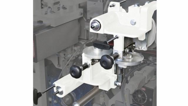 Кромкооблицовочный станок Minimax 35 T, производство SCM Италия, группа скребков для кромок