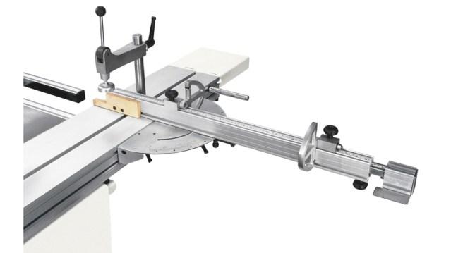 Устройство для угловой резки с обратимыми упорами универсального станка Minimax CU 300C, производство SCM Италия