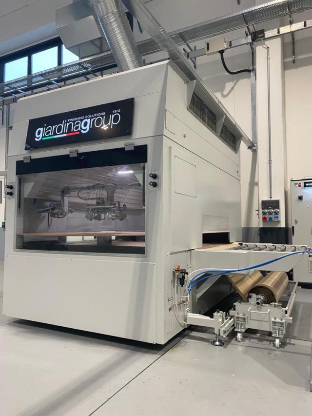 Автомат окраски распылением с бумажным транспортёром Dualtech-415 SBC производство Giardina Group Италия