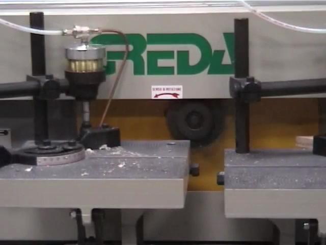 Обрабатывающий центр с ЧПУ TSDA CN для зареза всех видов шипов, производство Greda Италия