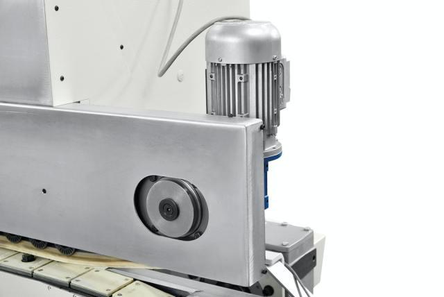 Вертикальная регулировка прижимной балки станка Celaschi P 30