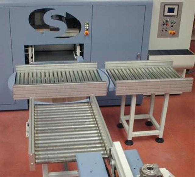 2 холостых рольганга для перемещения пакетов линии сращивания древесины на мини-шип SKYLINE, производство Bottene (Италия)
