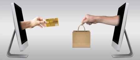 ilustrasi - belanja online di internet untuk pembayaran akun paypal dengan jenius