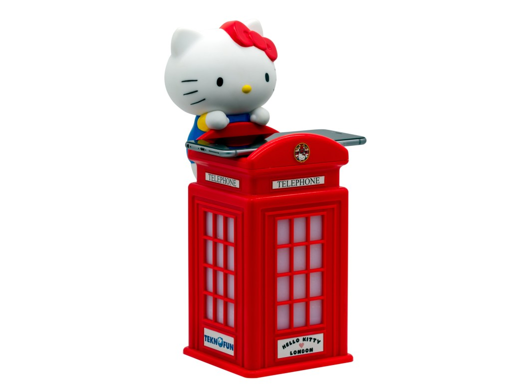 Hello Kitty Wireless Charger London Phone Booth 1