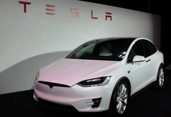 Sürücüsüz Tesla Devri Başlıyor!