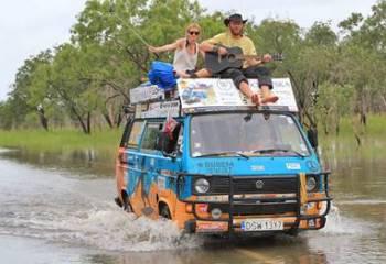 6 Yıl Boyunca, Günde 8 Dolar Harcayarak Dünya Turu Yapan Çift