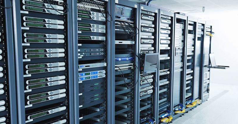Örnek görsel ile Server Nedir? Nasıl çalışır, ne işe yarar?