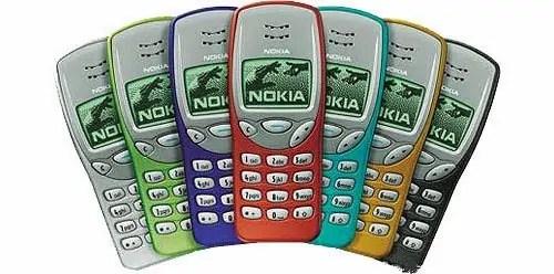 Nokia 3210 inayoshikilia nafasi ya pili ni moja ya simu maarufu sana, na ilikuja na gemu la Snake enzi hizo