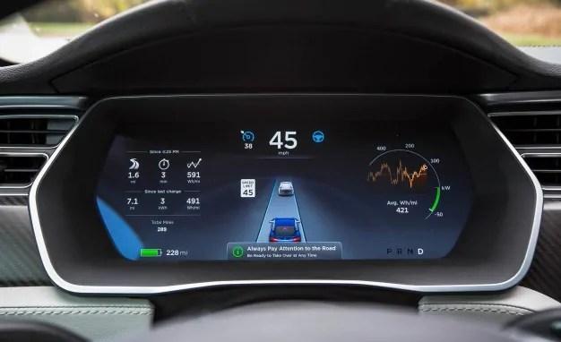 Tesla-Autopilot-MICHAEL-SIMARI1-626x382