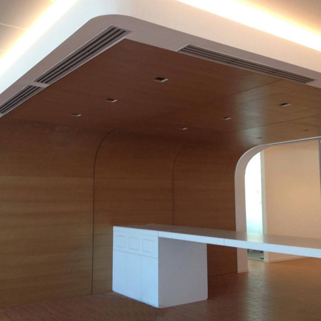 Realizziamo boiserie in legno per case uffici condomini Teknopar Milano