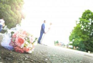 tekst til bryllupsinvitasjoner 16 gode eksempler på tekst