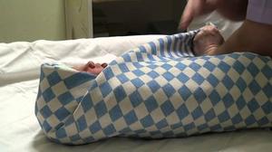 Toddler Swaddling dalam selimut