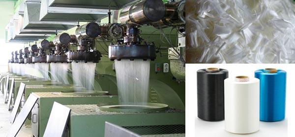 Produção de fibra de poliéster.
