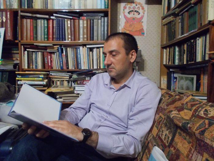 Мілан Загорац в оселі письменників і перекладачів Дмитра Чередниченка й Галини Кирпи. Фото Оляни Рути