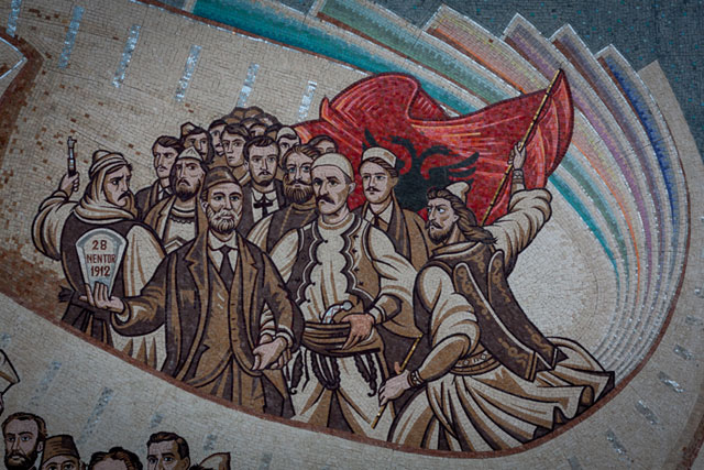 Skanderbeg-pladsen, Albaniens Uafhængighedserklæring, Skopje, Republikken Makedonien