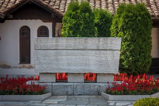 Goce Delcevs sarkofag ved Sveti Spas