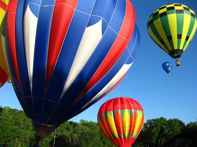 Varmluftsballoner eller Hot Air Balloons af Advantage Lendl på en CC 2.0 Licens