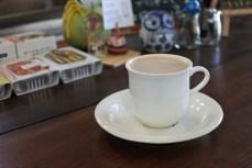La Pavoni社のエスプレッソマシンでいれたカフェラテ。苦いわけではなく、しっかりとした深みのあるエスプレッソ。