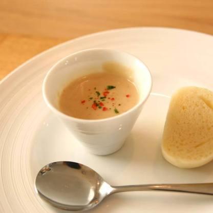 「おまかせランチプレート / 食彩のポタージュ 白神こだま酵母の白パン」