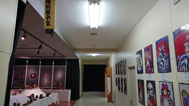 奥の部屋は「木田コレクション」とある。