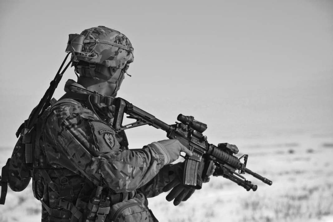 soldier-uniform-army-weapon