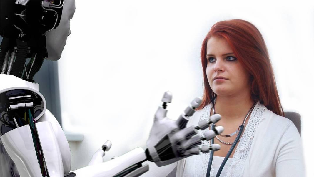Robot frente a una persona