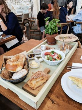 claro restaurant tel aviv breakfast tray