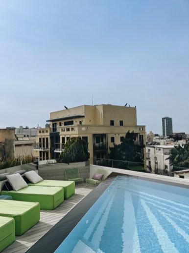 בריכה על הגג תל אביב