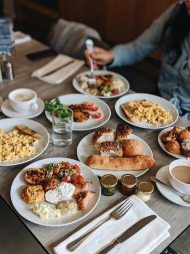 מלון סי אקזקיוטיב תל אביב ארוחת בוקר