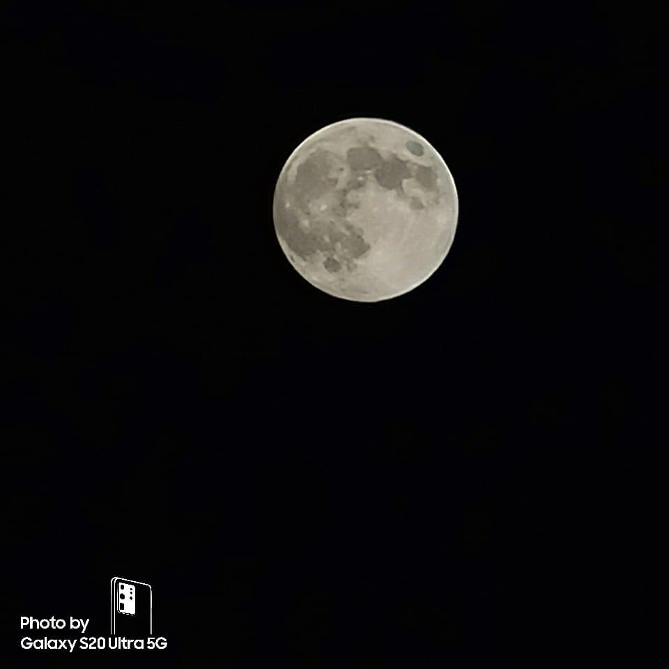 Galaxy S20 Ultra luna Zoom x50
