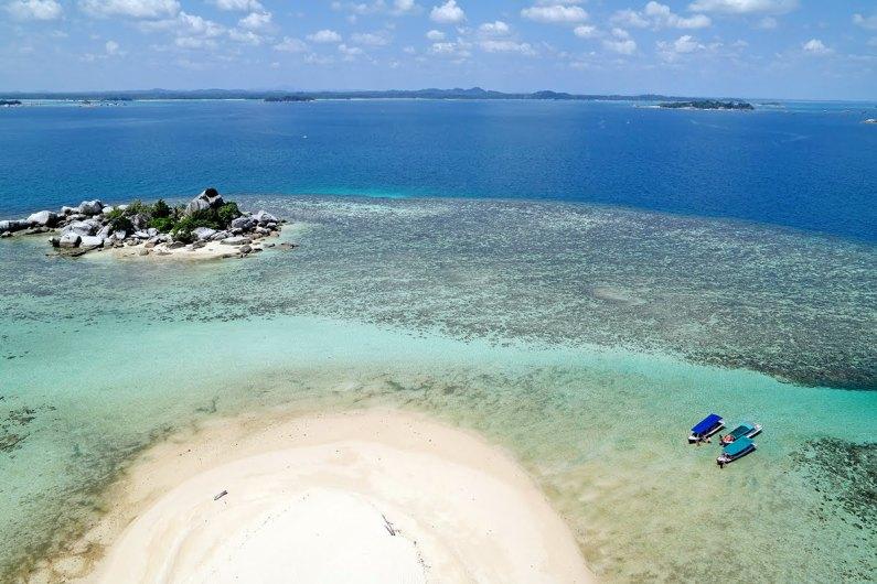 Berikut 5 Pantai di Indonesia Yang Harus Dikunjungi Pada Tahun 2017