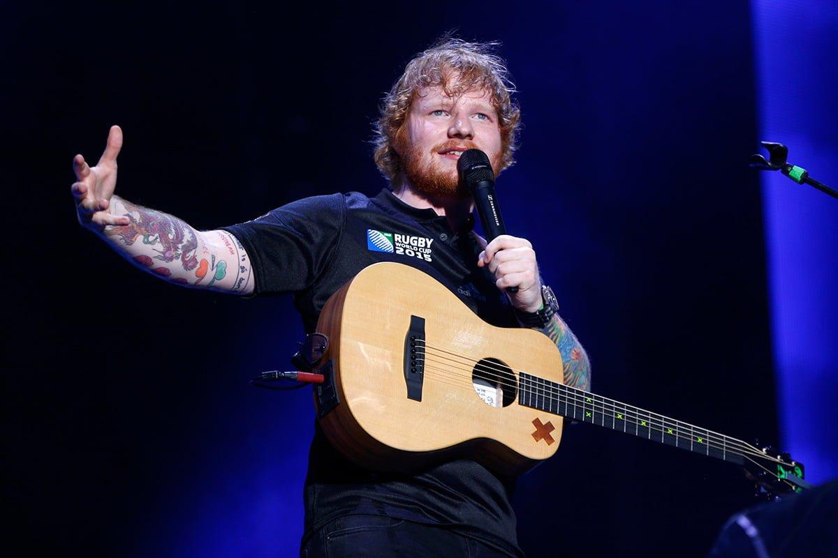 Ed Sheeran Sponsori Seragam Untuk Klub Ipswich