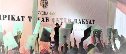 Lambatnya Kinerja Pemerintah Anies-Sandi Dipertanyakan PDIP Terkait Program Sertifikat Gratis Presiden Jokowi