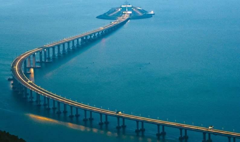China Akan Operasikan Jembatan Terpanjang di Dunia Pekan Depan