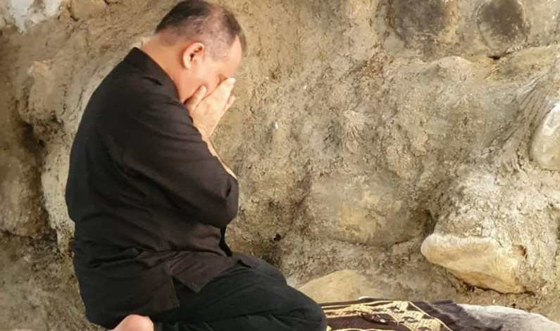 Tertangkap Kamera, Apa Yang Dilakukan Haidar Alwi di Petilasan Tuanku Imam Bonjol?